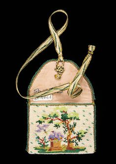 Coin Purse Made Of Glass Beads, Linen, Silk And Metal - American   c.1820-1840  -  The Metropolitan Museum Of Art