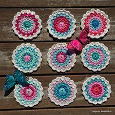 Home Decor Crochet Patterns Part 24 - Beautiful Crochet Patterns and Knitting Patterns Crochet Diy, Crochet Home, Crochet Motif, Crochet Designs, Crochet Flowers, Crochet Heart Blanket, Crochet Squares, Knitting Patterns, Crochet Patterns