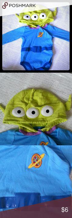 Disney land paris alien bodysuit baby Baby size 12m disney paris alien bodysuit used once. disney Costumes