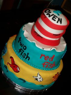 Sweet Pea Cake Company: Cat in the Hat cake