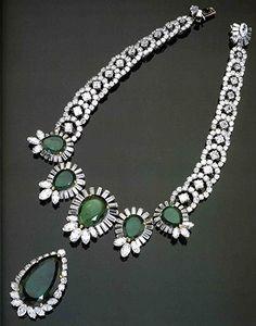 Collar Boucheron en diamantes y esmeraldas