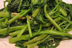 Rau muong xao (Stir-Fried Water Spinach) recipe, Vietnamese Recipes