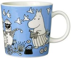 This is a complete list of all Arabia Moomin Mugs from the fist Moomin Mugs in 1990 and all the way to 2019 and forward. Moomin Mugs, Tove Jansson, Marimekko, My Childhood, Finland, Old Things, Nice Things, Blue And White, Pottery