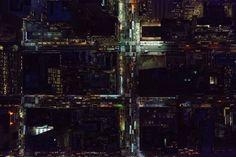 Jeffrey Milstein - NYC Midtown. Fotografia aerea NY. Paisajes de la modernidad. Rascacielos. Geometria arquitectonica de la ciudad. Luces de Nueva York. Vista aerea de noche. #cityscapes #iconocero