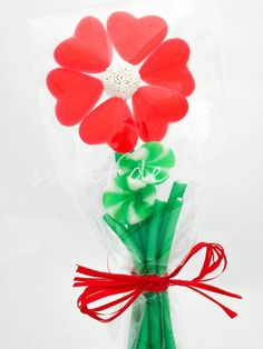 Brocheta Flor de Corazones Candy Arrangements, Candy Pop, Candied Fruit, Candy Bouquet, Food Humor, Packaging Design, Party Favors, Diy And Crafts, Sweets