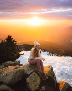 Holy Grail Hiking and Camping Gear - 2019 Edition - Renee Roaming - Mount Pilchuck Washington Camping Guide, Camping Gear, Hiking Gear, Backpacking, Hiking Boots, New England Fall, Alpine Lake, Winter Hiking, Day Hike