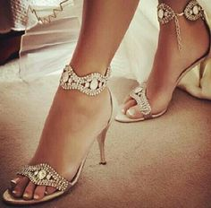 Love these wedding heels!