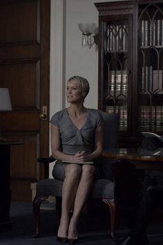 Robin Wright wearing Cartier Tank Francaise Small Stainless Steel Watch and Armani Front Detail Dress Robin Wright, Claire Underwood Style, Cartier Tank Francaise, Power Dressing, Thing 1, House Of Cards, Office Outfits, Office Wardrobe, Classy Women