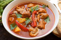 zupa gulaszowa z pieczarkami Thai Red Curry, Food And Drink, Ethnic Recipes, Blog, Blogging