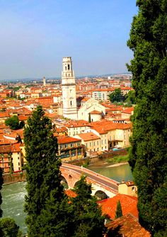Discover the city of Romeo and Juliet, Verona Verona Italy, Venice Italy, Amazing Places, Beautiful Places, Italy For Kids, Places To Travel, Places To Go, Places In Italy, Southern Europe