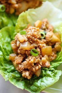Tacos de lechuga con pollo http://lavozdelmuro.net/24-deliciosas-y-saludables-recetas-para-llevarte-al-trabajo-en-un-taper/#