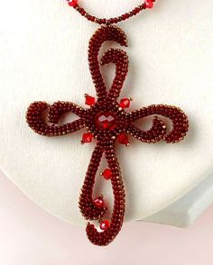 I just love this one - maybe in a different color tho - Beaded cross by Olga Arsentieva Seed Bead Jewelry, Gemstone Jewelry, Beaded Jewelry, Handmade Jewelry, Beaded Bracelets, Seed Beads, Necklaces, Jewellery, Ideas Joyería