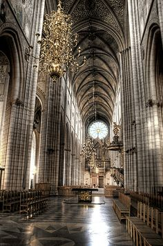 Uppsala Cathedral, Central Nave - Sweden
