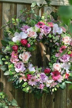 věnec od jara do podzimu, trvalá dekorace Floral Wreath, Wreaths, Home Decor, Crowns, Homemade Home Decor, Flower Crowns, Door Wreaths, Deco Mesh Wreaths, Interior Design