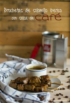 Brochetas de solomillo ibérico marinado con salsa de café