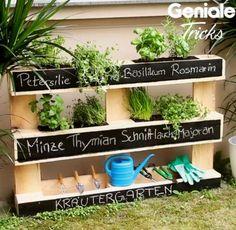 Ideas for pallet outdoor furniture ideas herbs garden Potager Garden, Balcony Garden, Herb Garden, Vegetable Garden, Garden Landscaping, Palette Beet, Potager Palettes, Diy Pallet Projects, Kraut