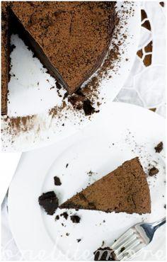 dark chocolate espresso mousse cake
