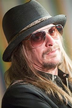 Robert James Ritchie aka Kid Rock was born on January 17, 1971 in Romeo, Michigan.