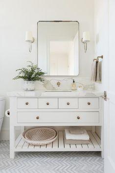 Luxury Home Interior Gorgeous white bathroom with chevron tile white vanity rectangular mirror. Home Interior Gorgeous white bathroom with chevron tile white vanity rectangular mirror. Boho Bathroom, Bathroom Styling, Bathroom Ideas, Bathroom Organization, Mirror Bathroom, Bathroom Designs, Colorful Bathroom, Minimal Bathroom, Bathroom Vanities
