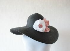 Black wide brim women sun hat