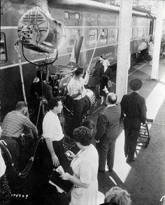 """Rodando clásicos. El ojo mecánico sobre Eva Marie Saint y los de Hitchcock controlándolo todo. En el rodaje de """"Con la muerte en los talones"""" (1959)"""