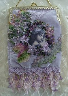 Bolsa Vintage - The things I see that make me happy. Vintage Purses, Vintage Bags, Vintage Handbags, Vintage Outfits, Beaded Purses, Beaded Bags, Embellished Purses, Embroidered Bag, Crazy Quilting