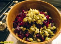 zimowa salatka swiateczna Polish Recipes, Polish Food, Fruit Salad, Food Inspiration, Oatmeal, Lunch Box, Cooking, Breakfast, Succulents