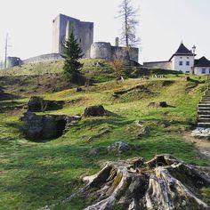 Nenapadá vás, kam si zajet udělat krásný výlet? A co české hrady? Ukážeme vám 30 nejkrásnějších hradů v ČR, které stojí za to navštívit. Monument Valley, Photo And Video, Mountains, Nature, Travel, Instagram, Viajes, Traveling, Bergen