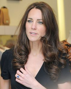Kate Middleton spends last days of freedom before royal wedding shopping on King's Road | Mail Online