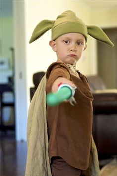 Simple Star Wars Costume: DIY Yoda Hat Tutorial.  $2 and 30 minutes