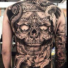 Amazing Tattoo Look Skull on Back Flying Tattoo, Sick Tattoo, Tattoo Skin, Badass Tattoos, Cool Tattoos, Skeleton Tattoos, Skull Tattoos, Body Art Tattoos, Sleeve Tattoos
