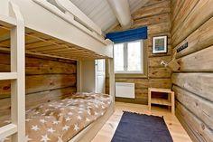 .Køyseseng under skråtak - smalt rom Bunk Beds, Furniture, Home Decor, Blogging, Homemade Home Decor, Trundle Bunk Beds, Home Furnishings, Interior Design, Home Interiors