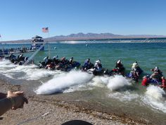 "World Championship races in Lake Havasu, Arizona, ""On the line"""