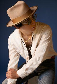 [365ANNIVERSARY] 365 ANNIVERSARY CALENDAR 今日は何の日? 〜6/9〜 - NYLON JAPAN Ryo Yoshizawa, Panama Hat, Japanese, Actors, Boys, Asian Beauty, Calendar, Editorial, Anniversary