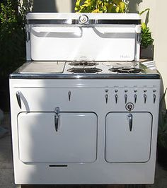 Vintage White Gas Stove Awesome we have one but not in the condition of the one pictured!