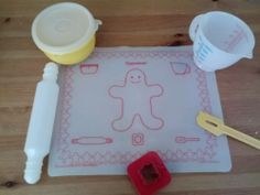 tupperware toys baking   Vintage Tupperware Tupper Toys 7 Piece Baking Set   eBay