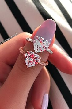 Cheap engagement rings doesn't mean boring or not beautiful. Nowadays you should not to spend several salaries to buy perfect engagement ring. Heart Engagement Rings, Engagement Ring Settings, Vintage Engagement Rings, Country Engagement, Fall Engagement, Engagement Pictures, Engagement Shoots, Engagement Photography, Diamond Anniversary Rings