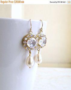 SALE 27% Off Swarovski Ivory EarringsTeardrop Pearl by SomsStudio