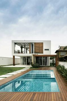 58 Super Ideas For House Design Exterior Modern Pools Swimming Pool Designs, Swimming Pools, Decks Around Pools, Design Exterior, Modern Exterior, Modern Pools, Wooden Decks, Style At Home, Pool Houses