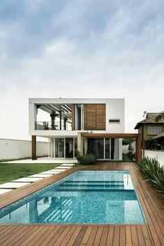 58 Super Ideas For House Design Exterior Modern Pools Decks Around Pools, Piscina Rectangular, Design Exterior, Modern Exterior, Modern Pools, Swimming Pool Designs, Swimming Pool Tiles, Pool Houses, Modern House Design