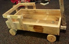 Pallets Wood Toy Scrap Wagon for Kids | 101 Pallet Ideas