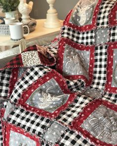 This is my hearthsideragquilt it's soooo cozy have you made anything using the hearthsideholiday fabric we have the brushed fabric… Rag Quilt Patterns, Christmas Quilt Patterns, Christmas Sewing, Christmas Quilting, Block Patterns, Quilting Projects, Quilting Designs, Flannel Quilts, Plaid Quilt