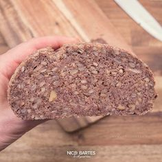 Veganes Low-Carb-Brot ohne Gluten - Nico Bartes – Schnell abnehmen durch gesunde Low-Carb Ernährung Bread Cake, Banana Bread, Smoothies, Protein, Sweet Treats, Food And Drink, Chocolate, Baking, Desserts