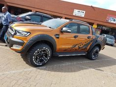 A Brief History Of Ford Trucks – Best Worst Car Insurance Jeep Pickup Truck, Vintage Pickup Trucks, Ford 4x4, Lifted Ford Trucks, Pickup Camper, Truck Drivers, 4x4 Trucks, Chevy Trucks, Ford Explorer Accessories