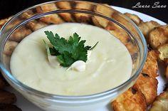 Acest piurede cartofi cuusturoi, numit Skordalia, este un sos grecesc foarte usor de facut si foarte gustos!!! Avem si noi o varianta autohtona, scordolea, care se mananca mai mult cu peste (in c... 30 Minute Meals, Vegan Recipes, Gluten Free, Pudding, Desserts, Food, Drinks, Kitchen, Canning