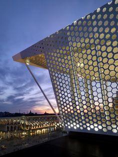 The Cube / Park Associati