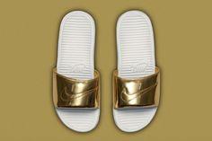 fc5ad68a6377d Nike Benassi Solarsoft Slide SP