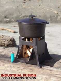 The Castle, midi sized cooker wood stove Bushcraft Camping, Camping Survival, Survival Guide, Fire Cooking, Outdoor Cooking, Metal Projects, Welding Projects, Materiel Camping, Stove Heater
