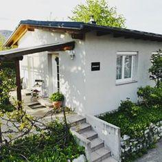 Ferienhaus Villach (@ferienhaus.villach) • Instagram-Fotos und -Videos Photo And Video, Instagram, Videos, Outdoor Decor, Home Decor, Pictures, Villach, Cottage House, City