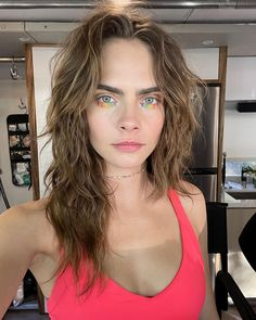 Vogue Uk, Cara Delevingne Hair, Cara Delvingne, 257, Haircut And Color, New Hair Colors, Brunette Hair, Celebrity Hairstyles, Lais Ribeiro